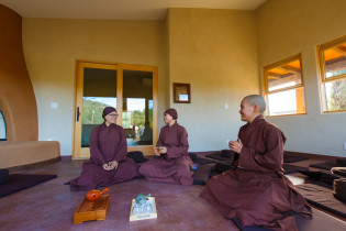 Sisters at Deer Park Monastery enjoying a cup of tea
